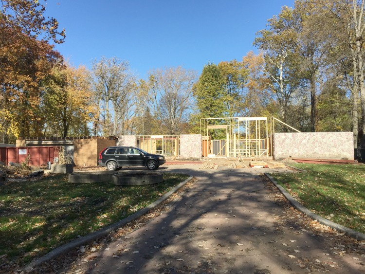 midcentry-fixerupper-renovation-no-roof
