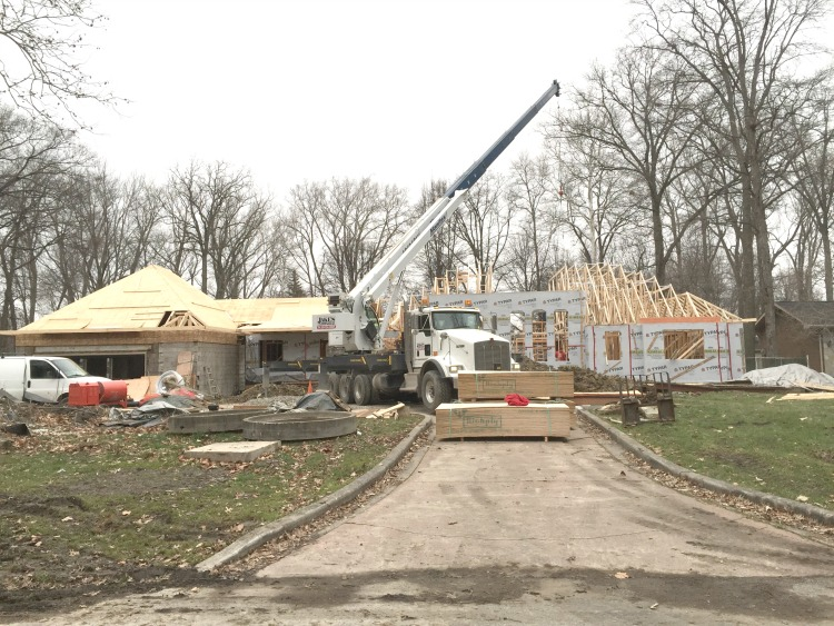 midcentury-fixerupper-renovation-roof-trusses
