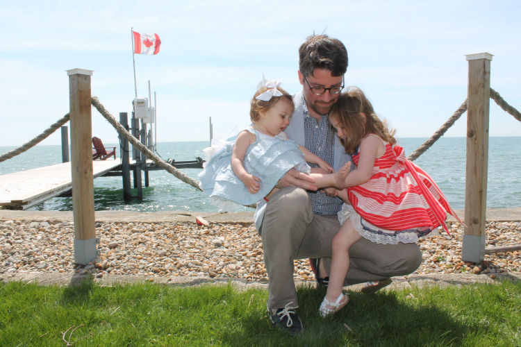 4th-of-july-canada-day-style-photo-shoot-family-portrait