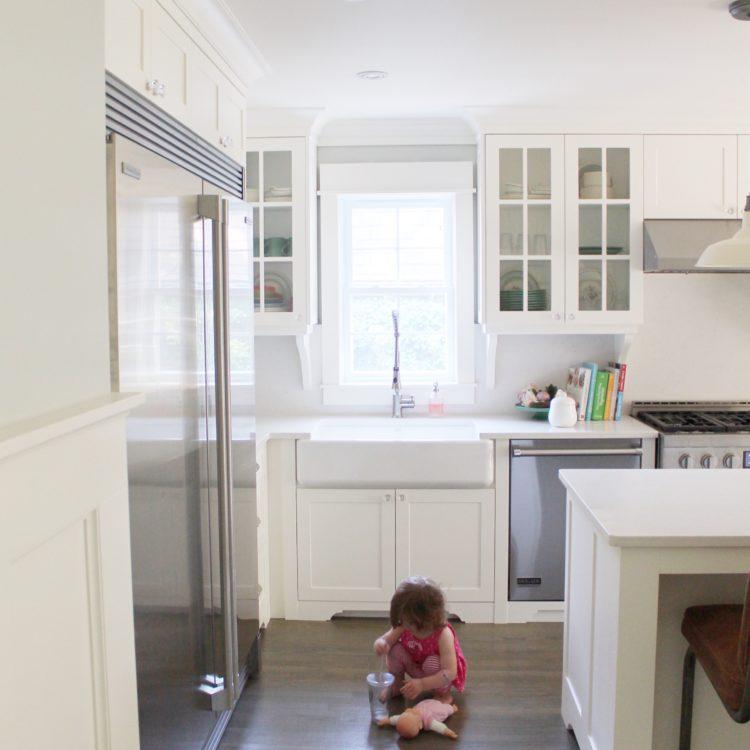 kohler_apron_sink_white_farmhouse_kitchen_furniture_base
