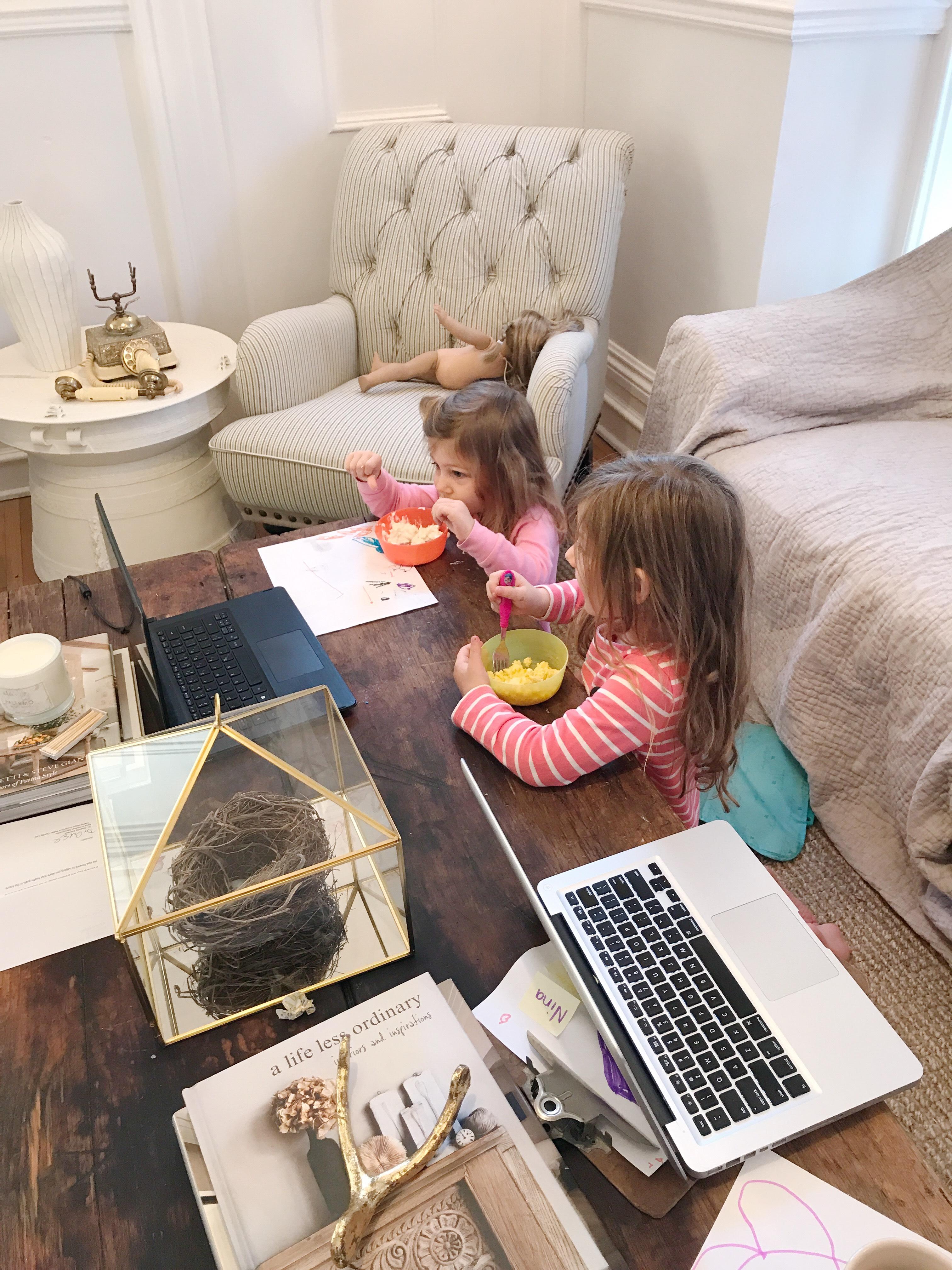DIY Farmhouse Coffee Table The Leslie Style