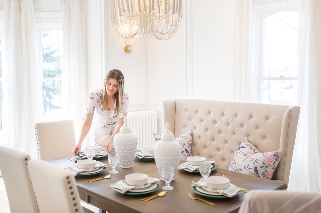 the brick dining room | Pop-Up Dining Room with the Brick - The Leslie Style