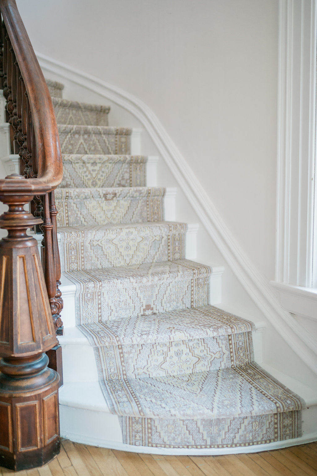 Stair Runner Faux Kilim Rug Makeover The Leslie Style