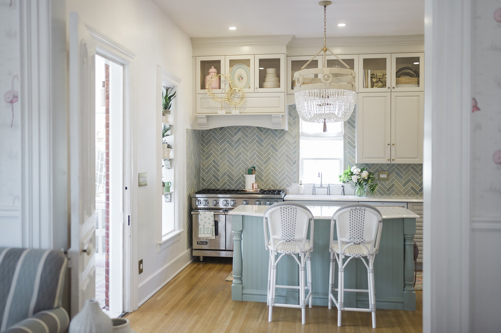 How To Run Kitchen Cabinets Across A, Kitchen Cabinets Around Windows